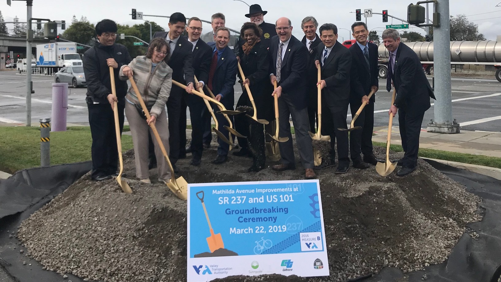 elected and VTA leaders breaking ground