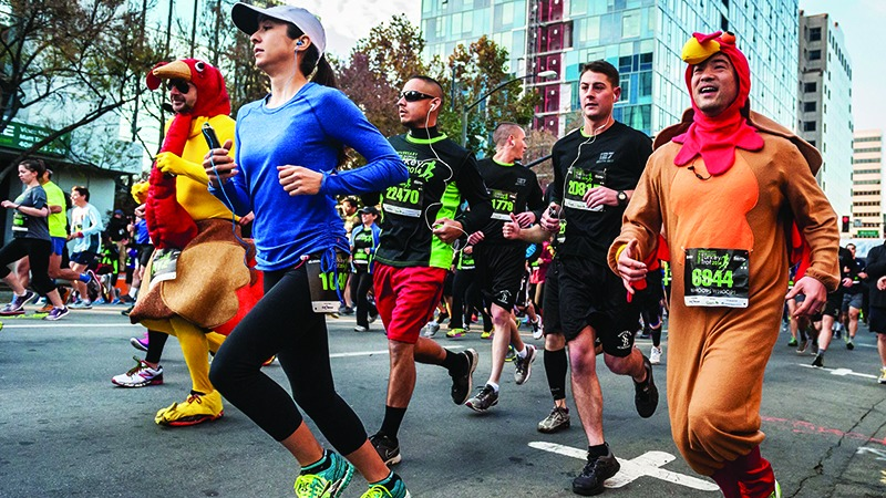 Runners in the Silicon Valley Turkey Trot