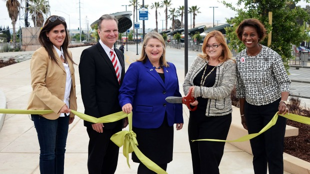 elected officials cut the ribbon at Eastridge Transit Center